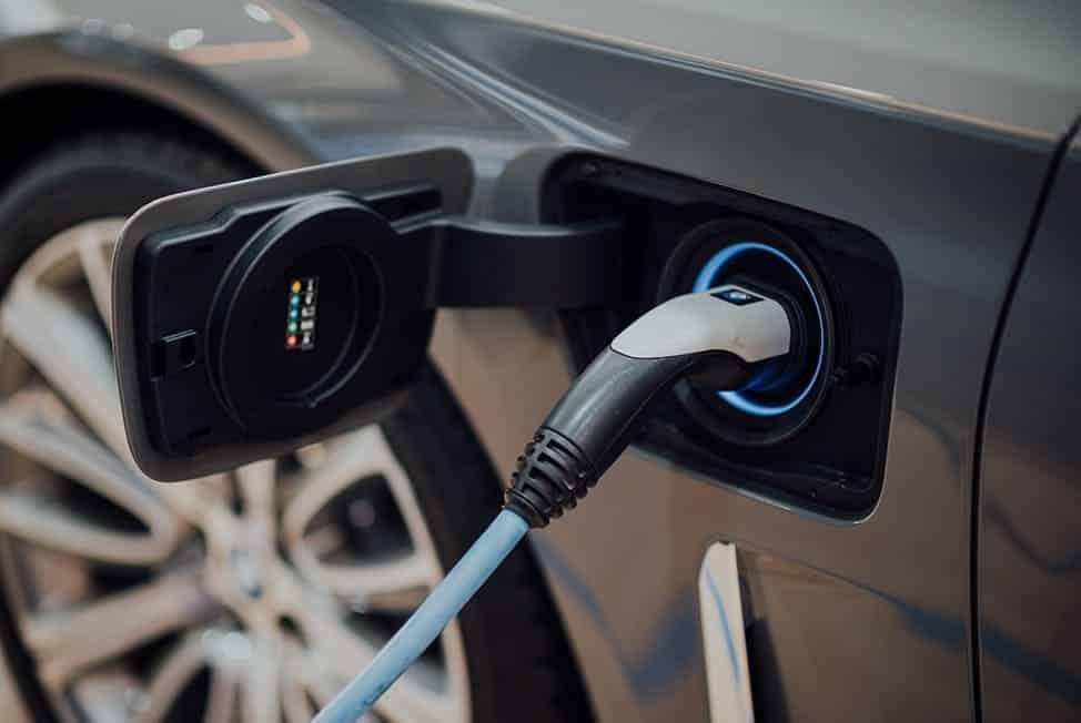 L'empreinte carbone des transports : la voiture électrique
